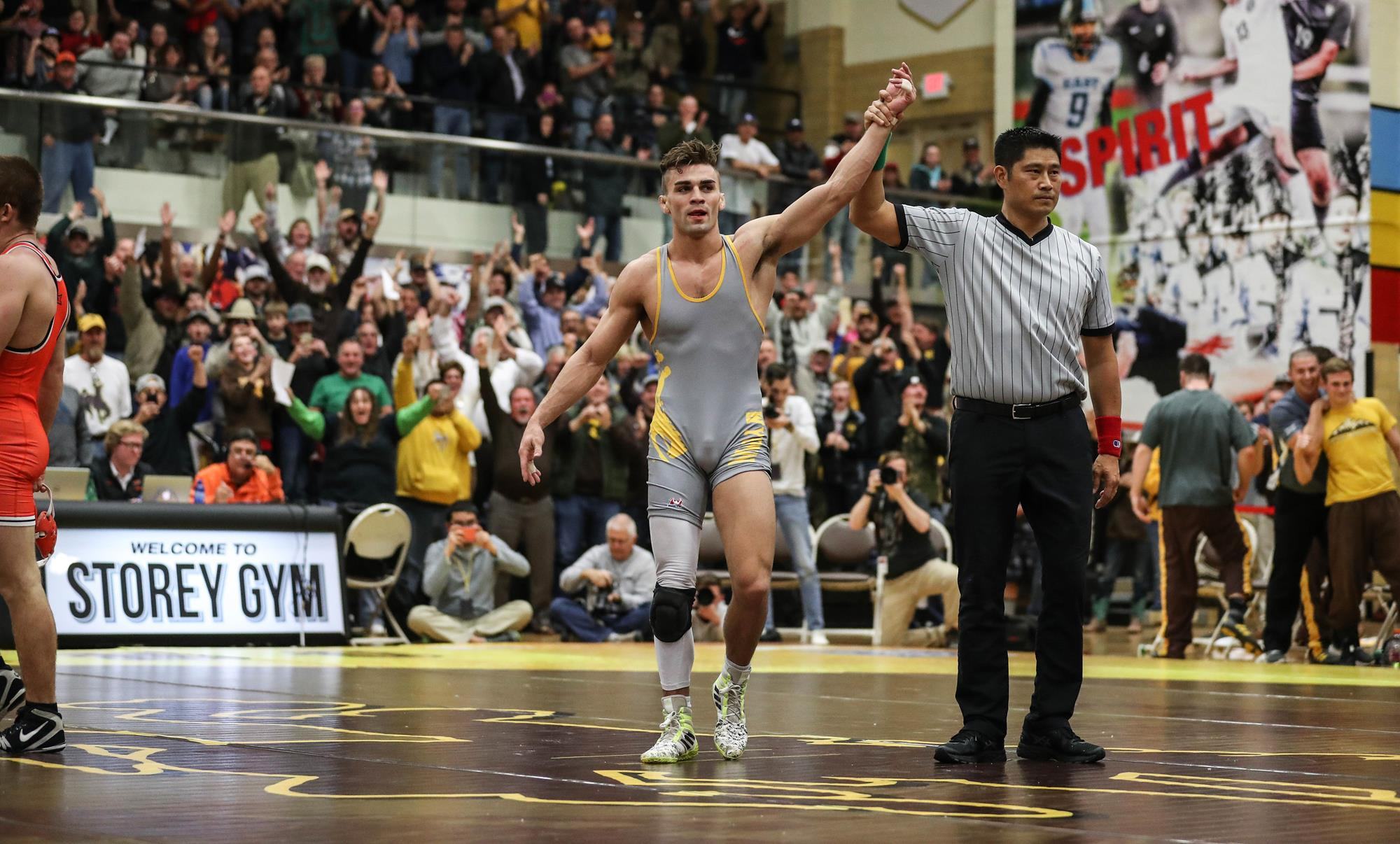 Cowboys Split matches with No. 3 Oklahoma State but Drop Dual, 20-15